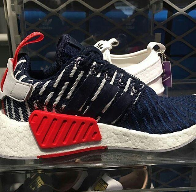 Very temptiing...�� Langsung DM yang mau titip/tanya harga ya.. • #pojepang #preorderjepang #bukapojepang #jepang #trip #travel #ootd #openpojepang #jualadidasori #adidasori #adidasasli #fashion #adidasoriginal #sneakers #shoes #sepatuadidasasli #originaladidas #kawaii #jualnmd #boost #nmdsock #nmd #nyanya_sepatu #adidas http://butimag.com/ipost/1490908610920722786/?code=BSwxXuCgDFi