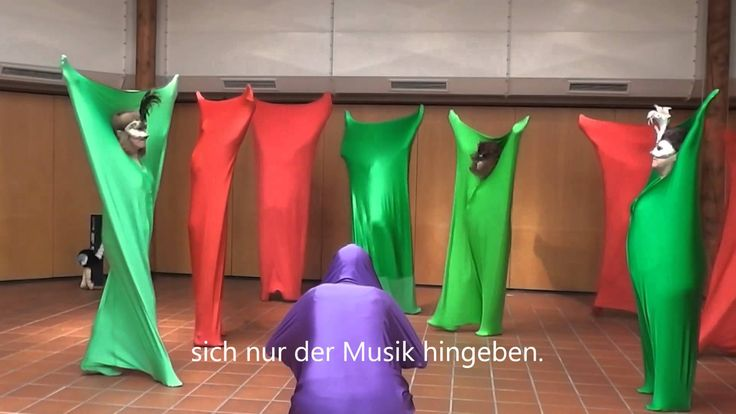 Performance mit dem Tanzsack - Rosina Sonnenschmidt