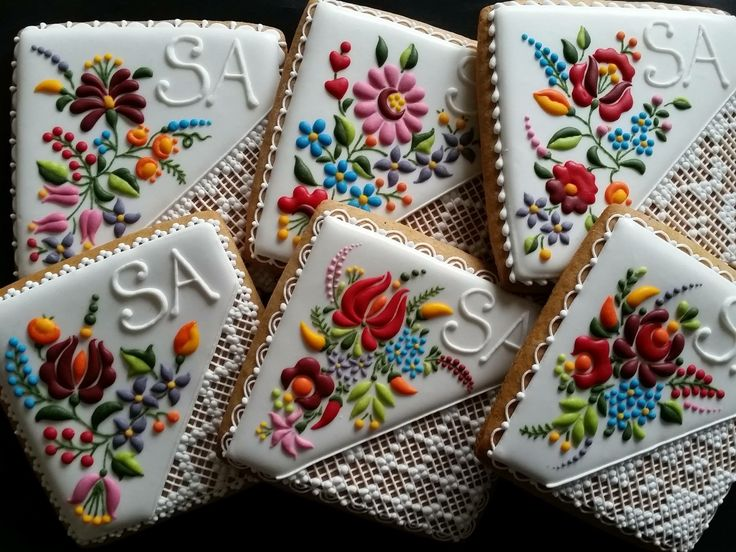 Decorated Cookies with Intricate Embroidery-Inspired Designs