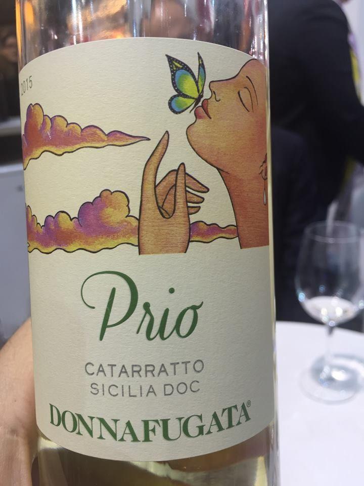 Una nuova bellissima etichetta di Donnafugata: Prio. È un Catarratto, e indiscrezioni dalla Sicilia dicono che questo vitigno cambierà nome... perché così risulta di difficile comprensione in molto Paesi