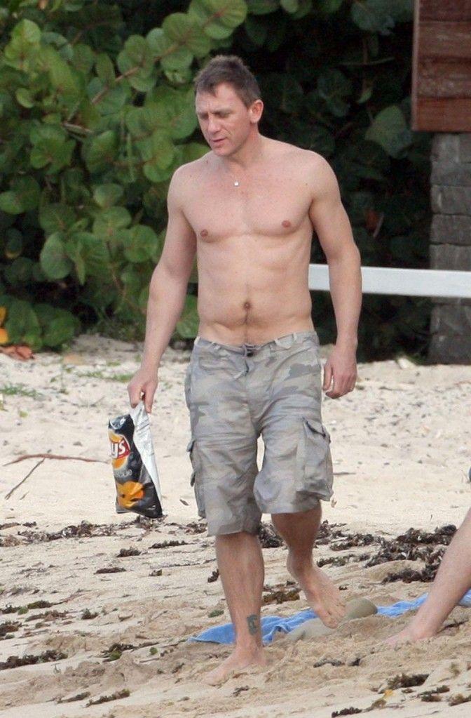 Daniel craig topless bdsm holidays