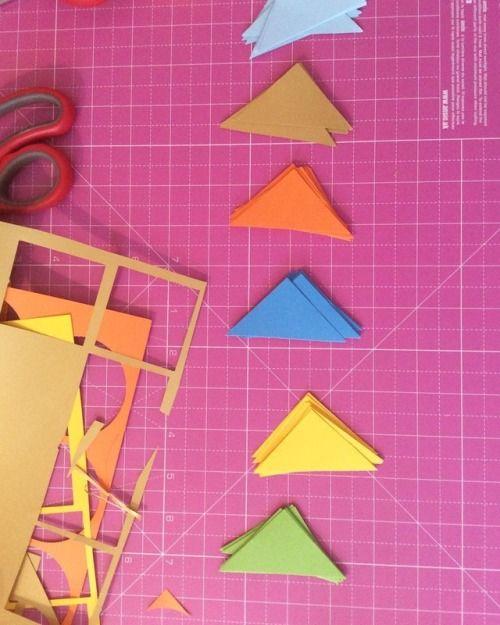 🔺🔻🔺🔻 #geometric #triangle #birthdaydecoration #garland #paper #birthday #decor #squares #brights #colourpop #customorder