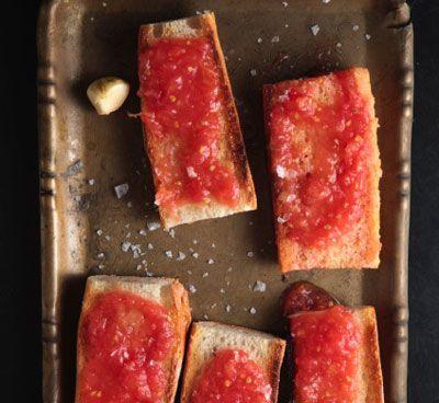 Pan tostado con ajo, aceite de oliva y tomate. Así sí, ¡Empezamos el miércoles!