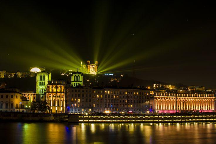 Fête des Lumières de Lyon. Fourvières et la Saône. © Bons baisers