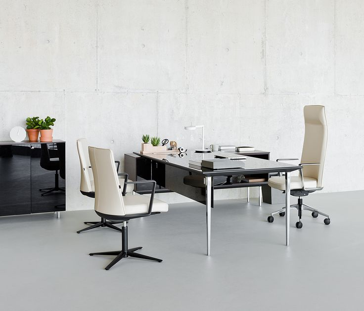 Longo - maximum versatility for all types of spaces and projects  #workspace #office #work #space #furniture #work #desk #workstation #custom #variety #team #meeting #commercial #design #interiors #softseating #detail #lounging #screens #spaces