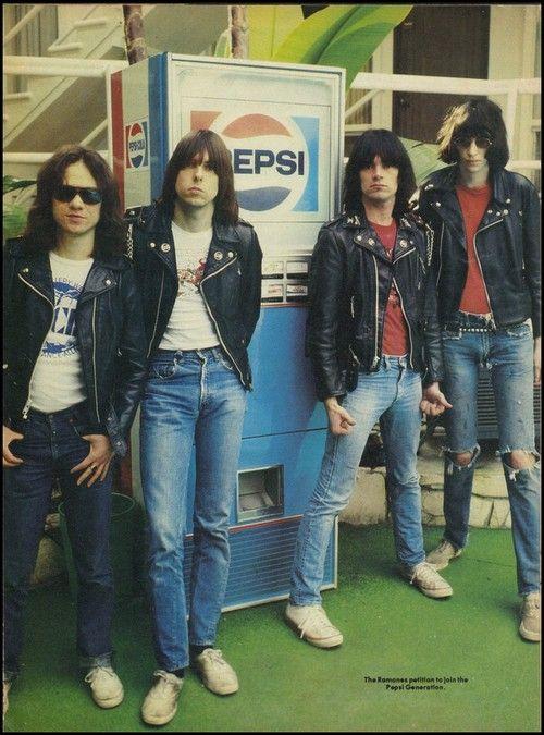 The Ramones at theTropicana Hotel in Los Angeles,1976.