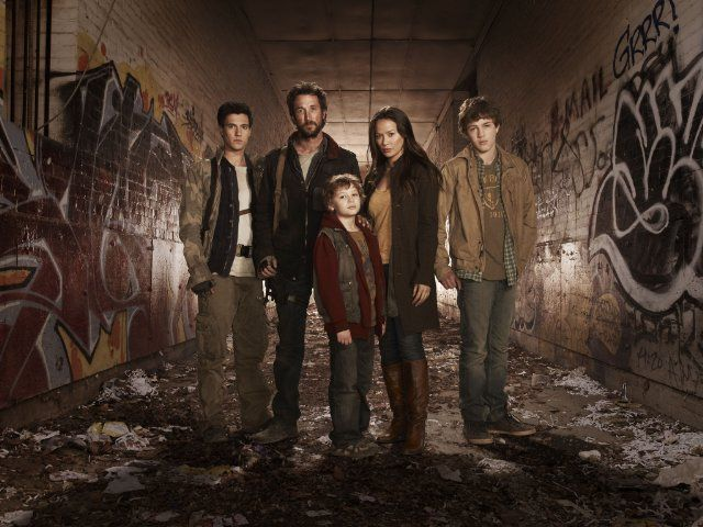 Still of Noah Wyle, Moon Bloodgood, Drew Roy, Maxim Knight and Connor Jessup in Falling Skies