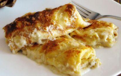 Lasagne con formaggio e noci senza besciamella - Una ricetta originale di lasagne con formaggio di capra e noci, condite con panna fresca al posto della besciamella. Ecco come preparare un buon piatto di lasagne per le feste senza lessare la sfoglia di pasta e impiegare poco tempo.