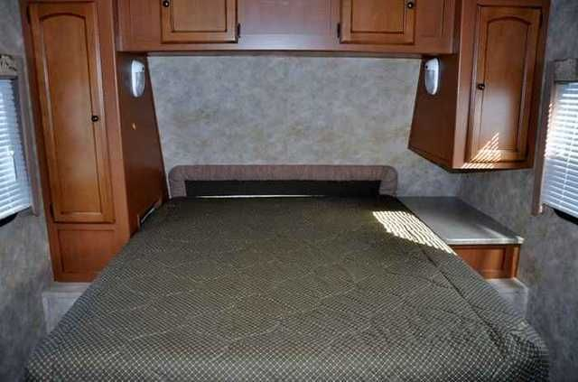 2011 Used Gulfstream Gulfbreeze Ultra Lite 25TSS Travel Trailer in Wisconsin WI.Recreational Vehicle, rv, 2011 Gulfstream Gulfbreeze Ultra Lite 25TSS, Gulf Breeze Sport is the most cost-effective way to enjoy the remarkable benefits of a travel trailer with vacuum-bonded laminated fiberglass walls. Its long list of standard appointments makes it an outstanding value, while its low weight makes any adventure easy and economical. You ll appreciate the attention to detail and the highly livable…