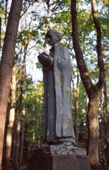 Jan Berchmans - < 1950 (?). Sculptuur Nederland, Nijmegen, Berchmanianum, tuin.