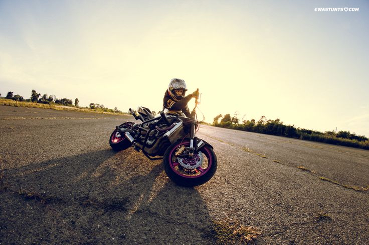 #iconshaguar #shaguar #ewastunts #iconmotosports #stuntbike #iconalliancegt #alliancegt #iconhelmet #ridinggear #motogear #besthelmet #iconmercjacket #kawasaki #ninja #zx6r #canon #canonphoto #sunset #stuntrider #femalerider #icon1000 #canon7dmk2 #tamron #rideicon #rideamongus #girlsridetoo