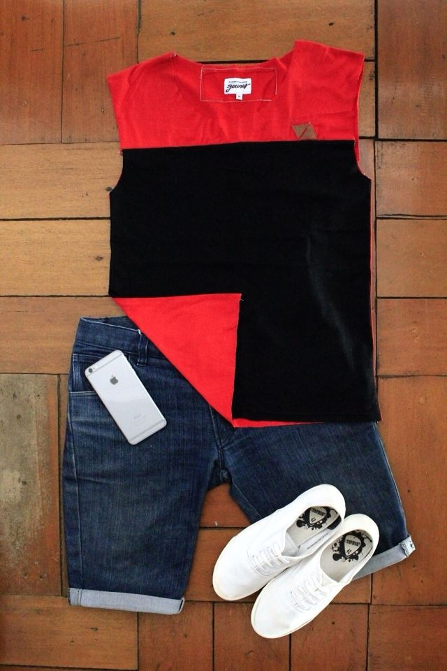 Wanna try another outfit?! Sleeveless is the best choice for this summer! Grab our sleeveless tee only 49k idr!