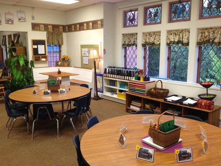 Uno studio inglese scopre che il rendimento degli alunni delle elementari migliora significativamente se l'aula in cui studiano è bella, vivibile e colorata. Sì a grandi finestre e tinte neutre, no a lavagne enormi ed eccessive stimolazioni visive