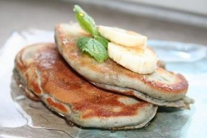 My go-to recipe for American pancakes (in Finnish): fluffy result, easy preparation and serves 1 or 2