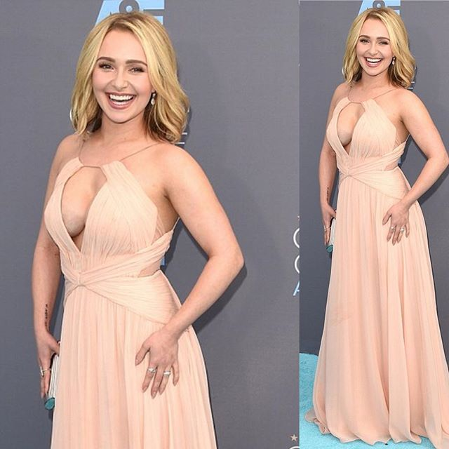#haydenpanettiere get all of her outfit information on our site link in bio