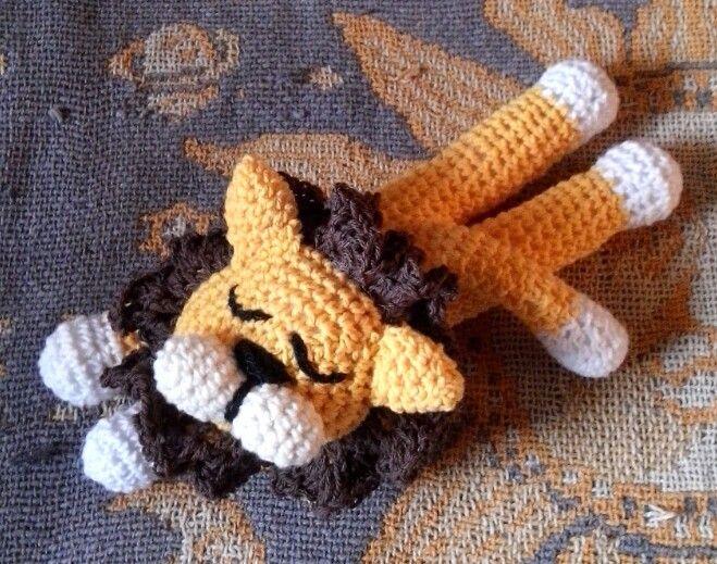 Muñeco de apego, crochet, lavable.