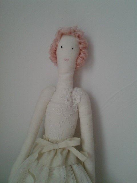 분홍머리의 그녀-상세