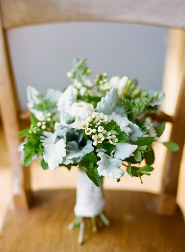 sweet and simple winter bouquet // photo by Adrian Tuazon // flowers by Flower Girls of Mornington