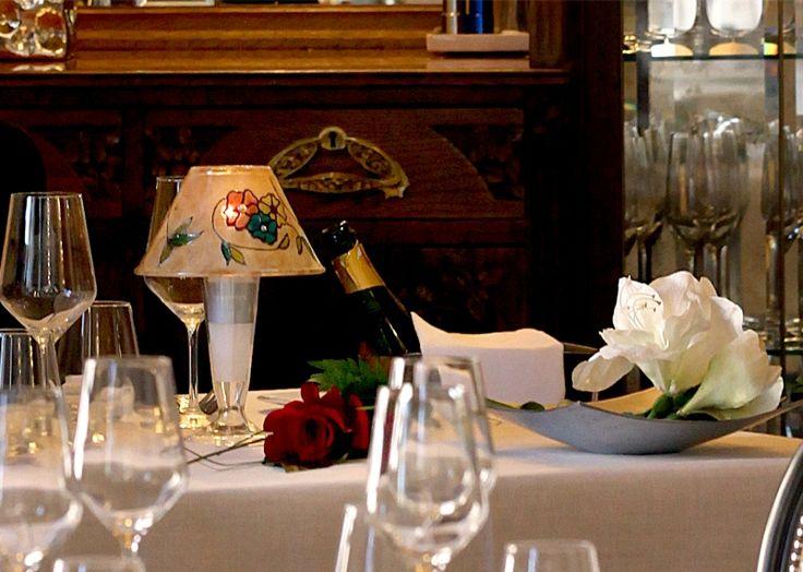 Cena para dos. http://www.hotelsanramonsomontano.com/promociones/escapada-romantica-spa-huesca.html