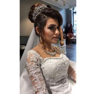 I går gikk denne vakre bruden og hennes følge ut av vår salong��Vår frisør Johnny har stylet og sminket bruden mens vår skjønnhetspleier Lilia har stått for vipper og bryn ���� Vi ønsker å gratulere brudeparet med den store dagen ��#hairdressermagic #brud #brudgom #beautyhairtrondheim #makeup #makeover #bridesmaids #hairstyle #lashes #browstyling #wedding #weddingdress #bryllup #bryllupskjole #bryllupsgjester #bryllup2017 #frisør #åretsførste…