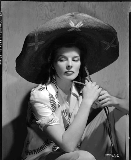 Katherine Hepburn. S)Hats, The Women, Classic Movie, Vintage Birthday, Audrey Hepburn, Movie Stars, Katharine Hepburn, Gingers Rogers, Katherine Hepburn