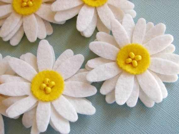 Wool Felt White Daisies Set of 8 by AMarketCollection on Etsy, $9.25