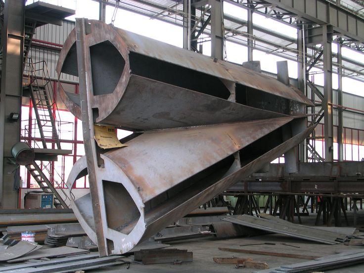 Shanghai South Railway Station - main beam node construction - AREP / MaP3 / ECADI - 2004