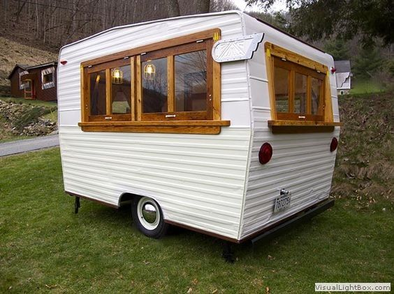 kuriozní karavany