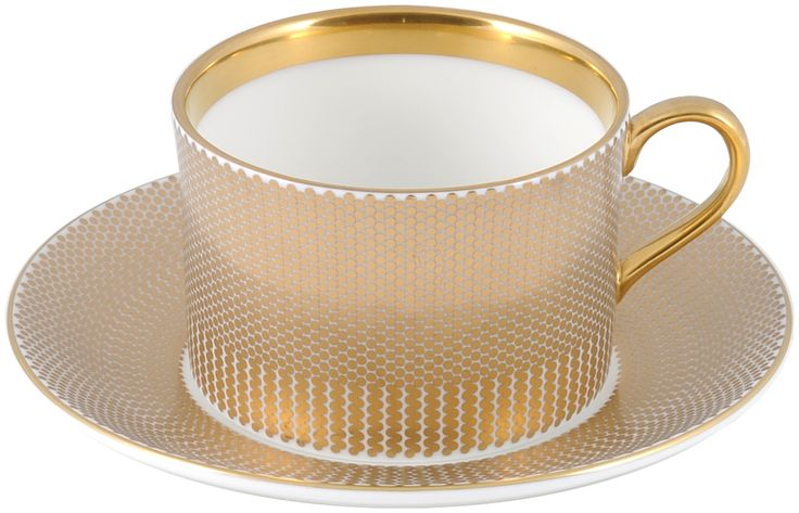 Rich Benday Gold Coffee Cup & Saucer for the perfect golden blend. A luxury gift this Mother's Day. #TheNewEnglilsh #Benday #Gold #22ktGold #Coffee #Mother'sDay #FineBoneChina #Gift