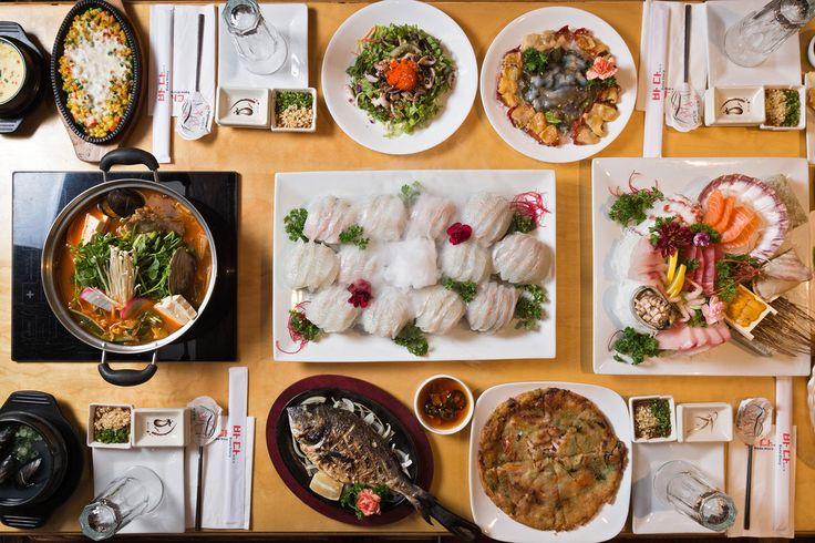 Critic's Notebook: Pete Wells explores Korean restaurants in and around Flushing, Queens. (Photo: Evan Sung for The New York Times)