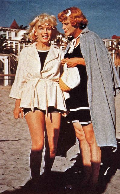 "vintage everyday: 36 Rare and Wonderful Color Photographs from Behind The Scenes of ""Some Like It Hot"""