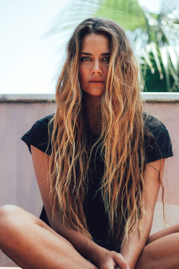 les cheveux et la mer.