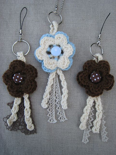 More crochet flower charms