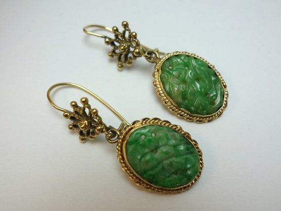 Art Deco Carved Jade14k Gold Earrings Carved by Topcatvintage
