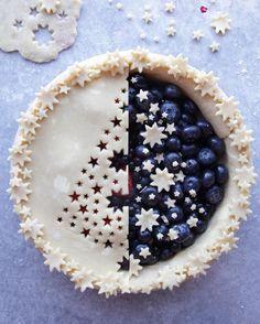 Mirror tree blueberry pie