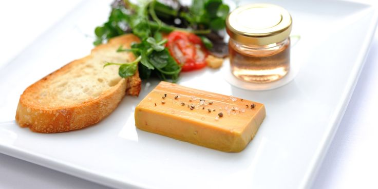 This Stephen Crane recipe is a flavourful way of serving up foie gras as a starter. Best served with toast or chutney, this foie gras terrin...