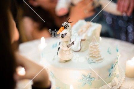 Olaf's cake white and blue #olaf #cake #white
