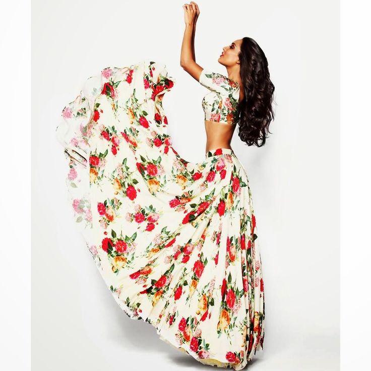 Scarlet Bindi - South Asian Fashion Blog by Neha Oberoi