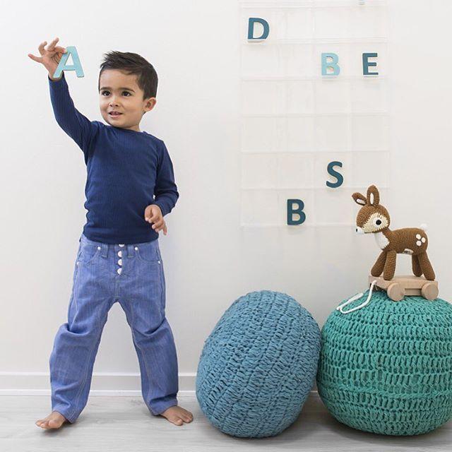 Вязаные текстильные пуфики очень популярны в интерьере детской комнаты! Все малыши их просто обожают  Очень стильные и качественные