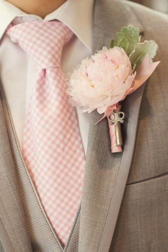A great way to incorporate the colors into the wedding - especially love this groom's look