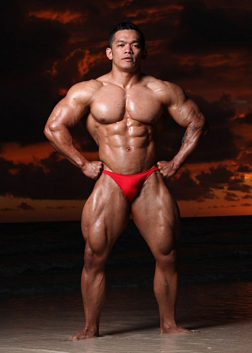 Nude filipino bodybuilder was