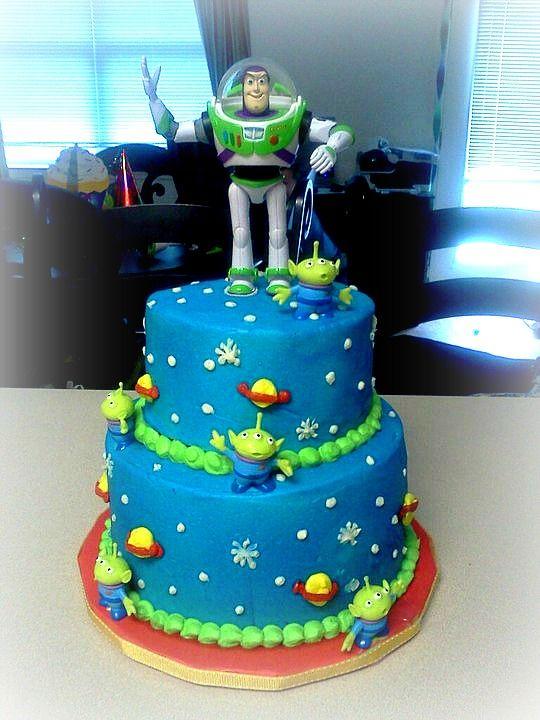 Alien Birthday Cake   Buzz lightyear cake — Children's Birthday Cakes