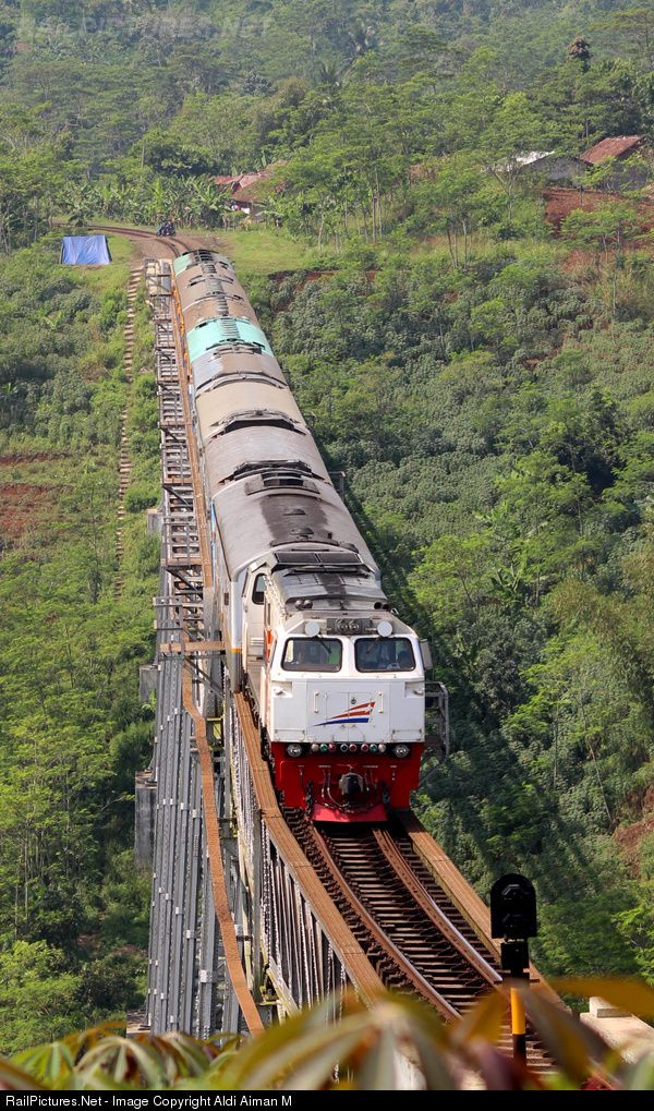 RailPictures.Net Photo: CC 206 02 PT Kereta Api (Persero) GE CM20EMP at Kab. Bandung, Philippines by Aldi Aiman M