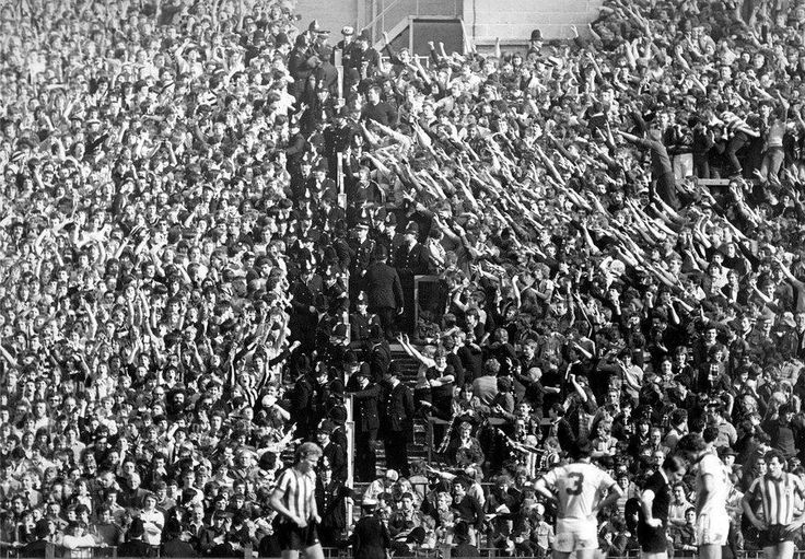Tyne–Wear Derby: Awesome photo of Sunderland and Newcastle fans ar Roker Park, 1970s