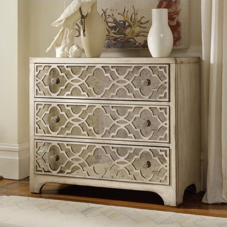 Hooker Furniture Sanctuary Fretwork Accent Chest in Pearl Essence - 3023-85001