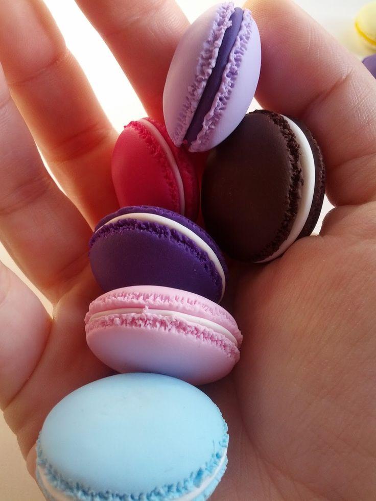 La Botteghilla: Bomboniere personalizzate: macaron in fimo!