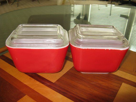 Pyrex 2 Vintage Bright Red Refrigerator Storage Containers With Lids 1 1 2 Cup Nice Condition Vintage Red Refrigerator Refrigerator Storage Pyrex Vintage