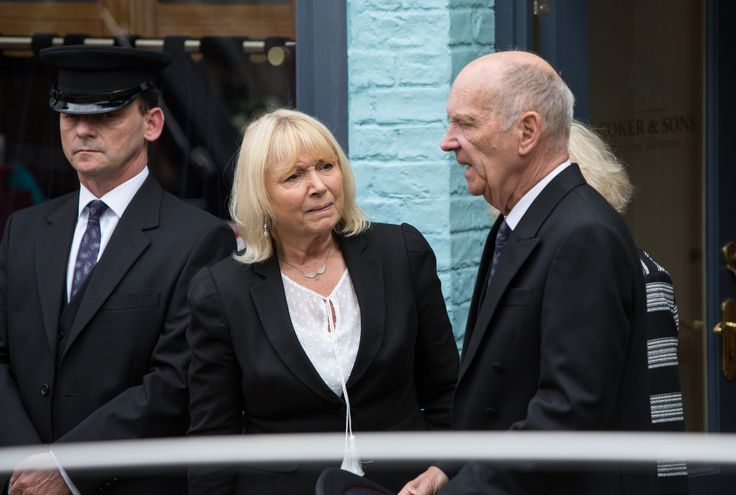EastEnders: Pam and Les to say their final goodbye to Paul at his funeral