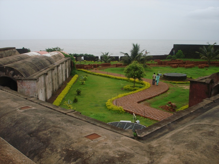 St. Angelo Fort, Kannur . Fort is adjacent to the arabian sea. St. Angelo Fort was built by Dutch and it was ruled by several powers prevailed in India. Once it was market place for the local people. Arabian sea helped the foreigners to trade with local people in Kannur, Kerala. Presently the fort is opened to people. Have a visit, great view to the sea. Planning trip Kannur,then Angelo fort is dont miss place.