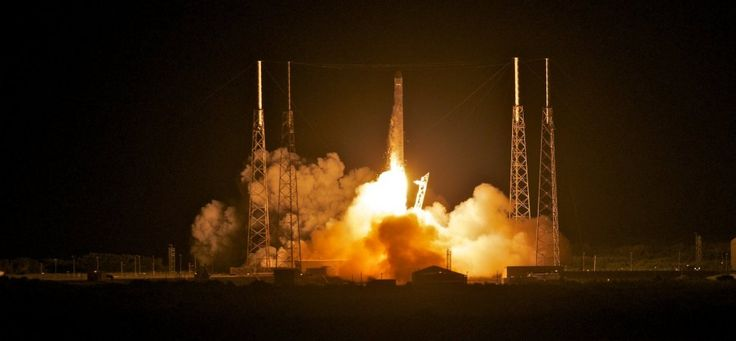 SpaceX Rocket Carrying Facebook Internet-Beaming Satellite Crashes in Florida